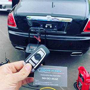 Step by Step Guide to Car Key Cutting