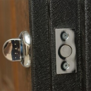 Locked Out Of House Locksmith: Don't Be Fooled By Imposters!